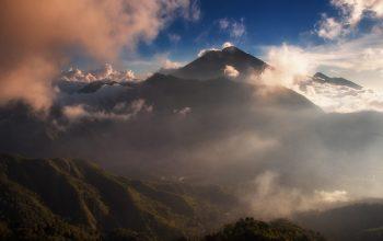 8 Tempat Wisata yang Wajib Dikunjungi di Indonesia, Dijamin Pemandangannya Sangat Memukau!