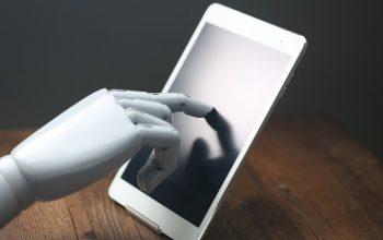 ai-robotic-operations-tablet_1387-648